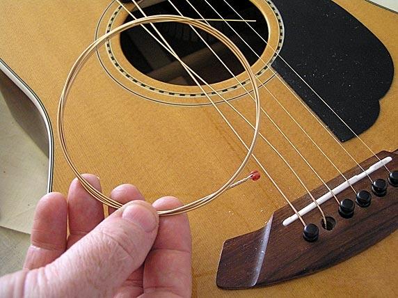 Kết quả hình ảnh cho Chọn đúng loại dây đàn guitar